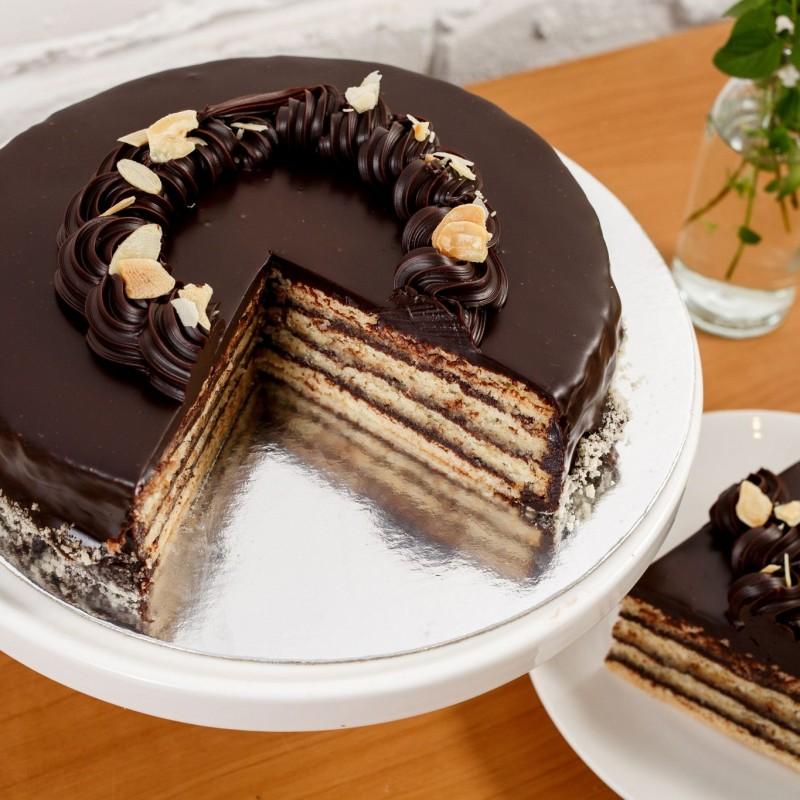 8 Almond Japonais Cake
